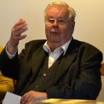 Hans G. Weidinger bei seinem Vortrag: Was lehrt uns die Harmonik übe die Natur? 2014