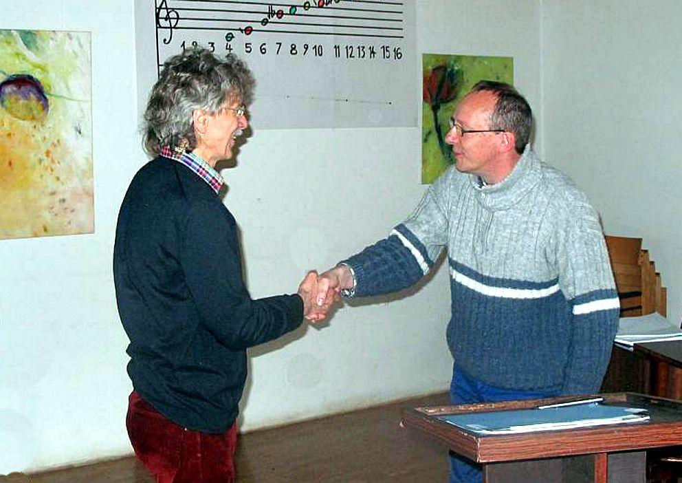Martin Spindler gratuliert Hartmut Warm